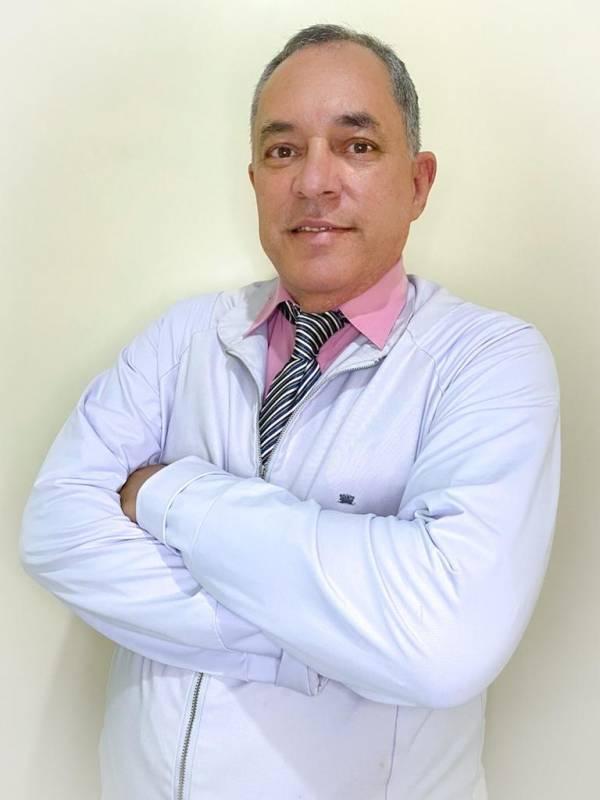 FRANCISCO FERREIRA DE FARIAS JÚNIOR - MÉDICOS - CLÍNICO GERAL