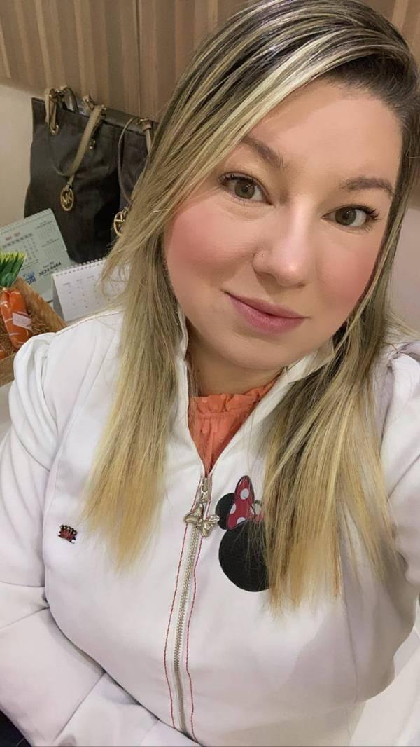 JULIANNA TELES - ODONTÓLOGOS - CIRURGIÃO DENTISTA